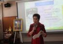 พล.ต.ต หญิง ดร.นงเยาว์ สมพิทยานุรักษ์ ผู้บังคับการวิทยาลัยพยาบาลตำรวจ เป็นประธานในพิธีเปิด พิธีปัจฉิมนิเทศผู้ช่วยพยาบาล (ประจำปีการศึกษา 2560) วิทยาลัยพยาบาลตำรวจขอขอบคุณ คุณพรวรินทร์ นุตราวงศ์ พยาบาลวิชาชีพ 7 ฝ่ายการพยาบาล คณะแพทย์ศาสตร์วชิรพยาบาล มหาวิทยาลัยนวมินทราธิราช ที่ให้เกียรติบรรยายพิเศษในหัวข้อ เรื่องพลังสุขในวิชาชีพพยาบาล (ภาค 1) ในวันพุธที่ 22 สิงหาคม 2561 เวลา 09.00 – 16.00 น. ณ ห้องประชุม 202 ชั้น 2 วิทยาลัยพยาบาลตำรวจ โรงพยาบาลตำรวจ สำนักงานตำรวจแห่งชาติ